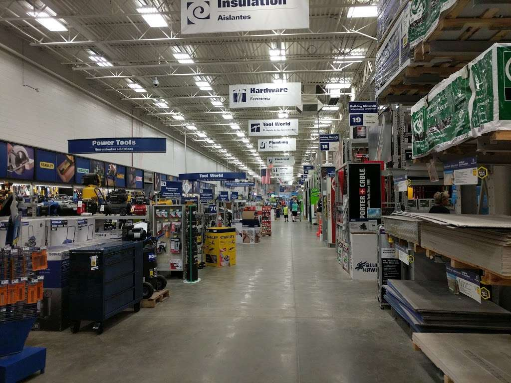 Lowes Home Improvement - hardware store  | Photo 8 of 10 | Address: 3500 10th St, Columbus, IN 47201, USA | Phone: (812) 376-0521