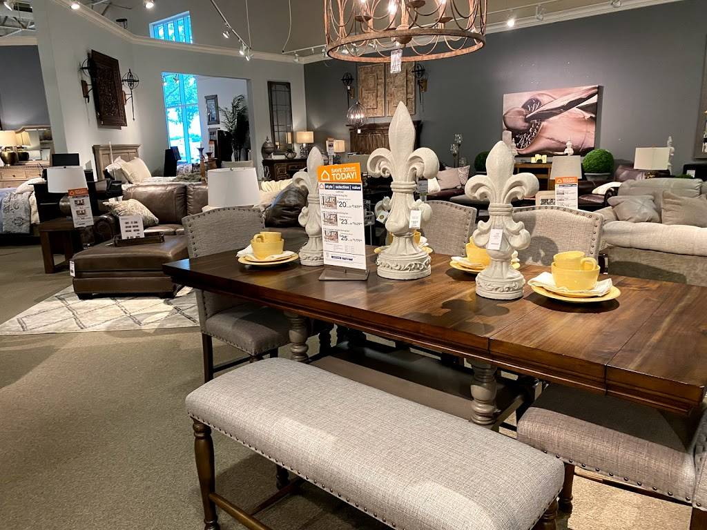 Ashley HomeStore - furniture store  | Photo 4 of 8 | Address: 2615 Vildibill Dr, Brandon, FL 33510, USA | Phone: (813) 654-5955