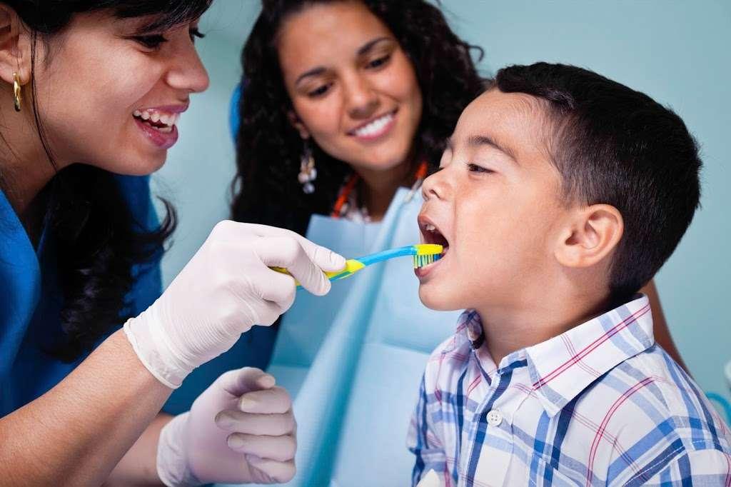 All Family Dental & Braces - Southwest Chicago - dentist  | Photo 1 of 8 | Address: 8541 S Cicero Ave, Chicago, IL 60652, USA | Phone: (708) 762-9966
