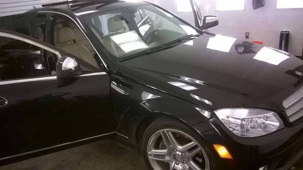 Reeds window tint - car repair  | Photo 7 of 10 | Address: 3138 Reed Rd, Houston, TX 77051, USA | Phone: (832) 875-0506
