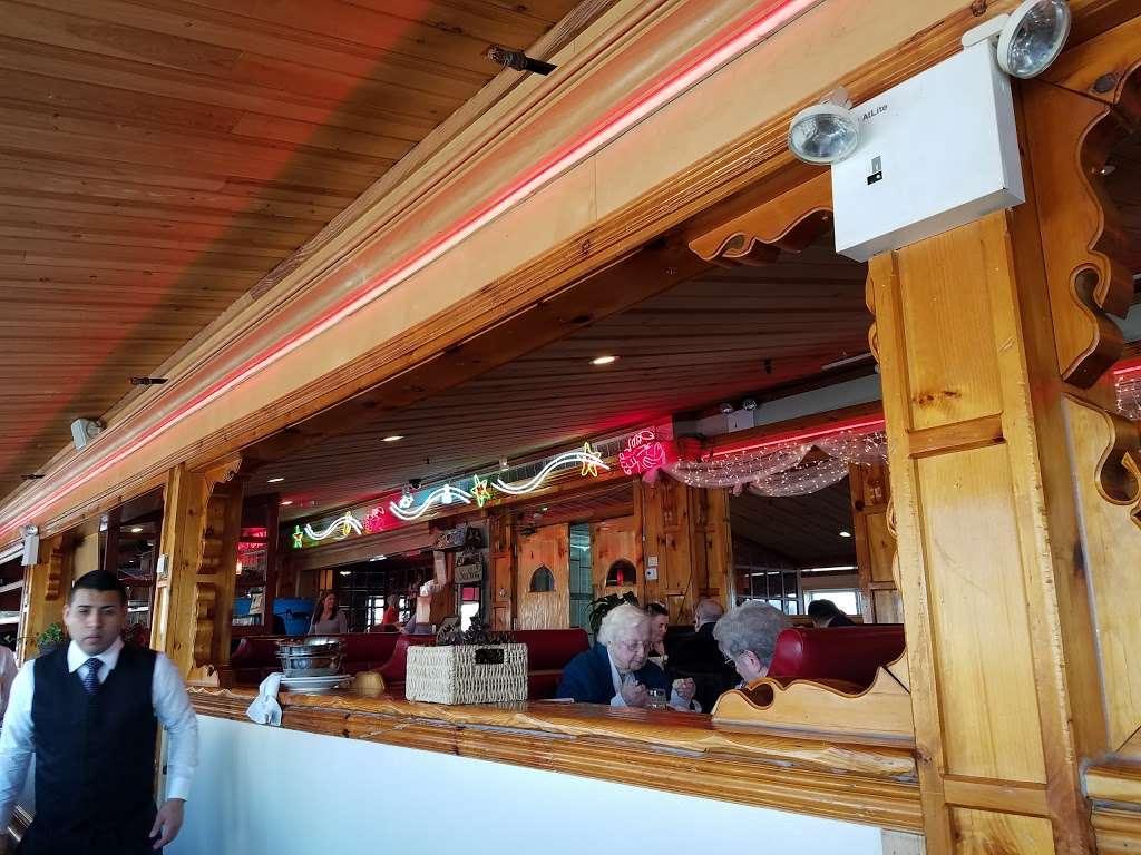 Sea Shore - restaurant    Photo 4 of 10   Address: 591 City Island Ave, Bronx, NY 10464, USA   Phone: (718) 885-0300