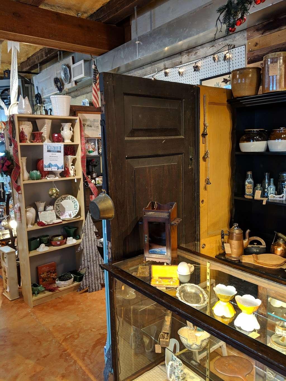 Crickets Antiques & Garden Market - home goods store  | Photo 10 of 10 | Address: 1641 Horseshoe Pike, Glenmoore, PA 19343, USA | Phone: (610) 942-7500