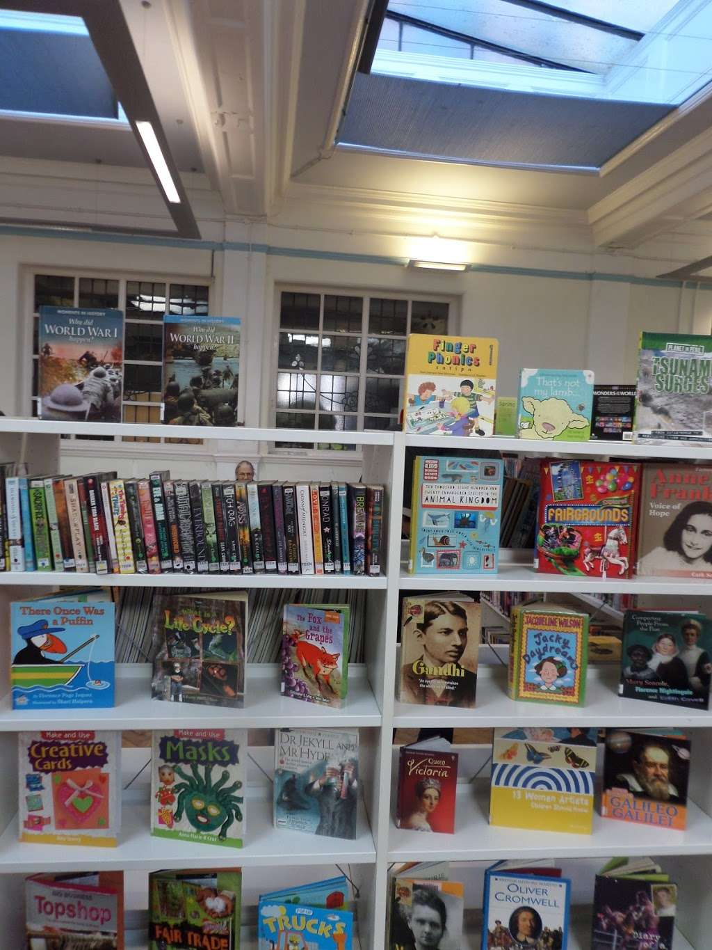 Carnegie Library - library  | Photo 7 of 10 | Address: 188 Herne Hill Rd, Herne Hill, London SE24 0AG, UK | Phone: 020 7926 0750