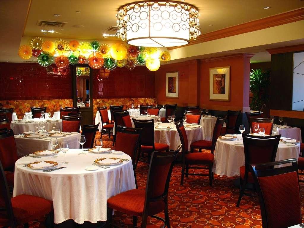Vetro by Russos on the Bay - restaurant  | Photo 1 of 10 | Address: 164-49 Cross Bay Blvd, Howard Beach, NY 11414, USA | Phone: (718) 843-8387