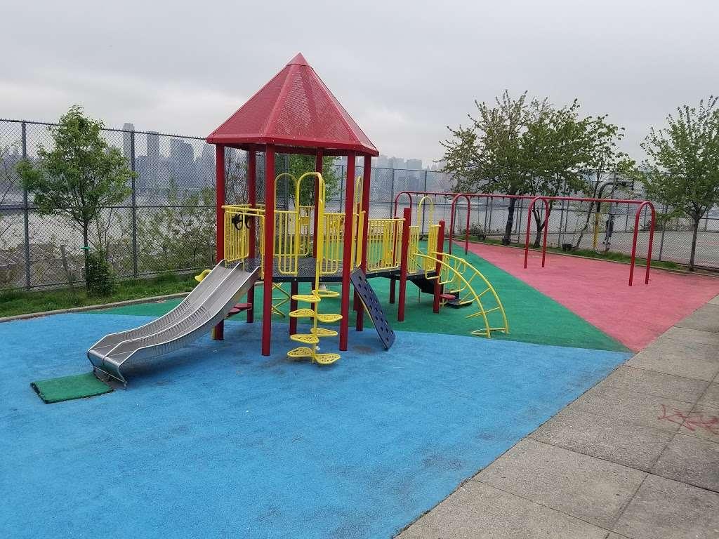Verrazano Park - park  | Photo 1 of 4 | Address: 6400 John Fitzgerald Kennedy Blvd, West New York, NJ 07093, USA