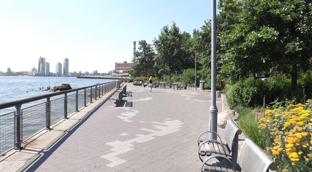 East River Promenade - park  | Photo 4 of 10 | Address: East River Promenade, New York, NY 10002, USA
