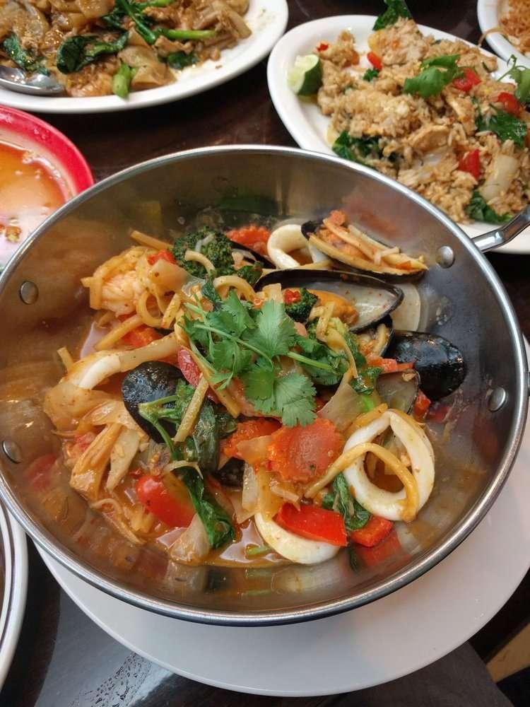Chok Dee Thai Kitchen - restaurant  | Photo 2 of 10 | Address: 561 Livingston St, Norwood, NJ 07648, USA | Phone: (201) 750-8880