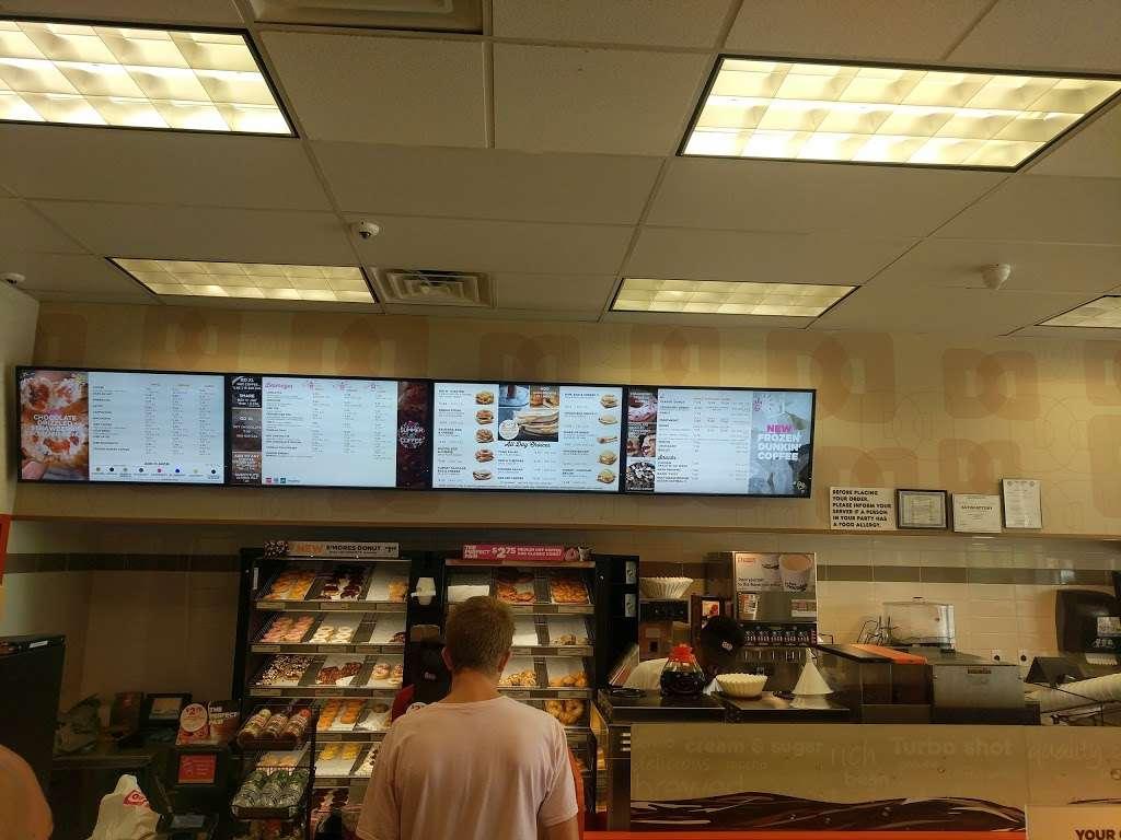 Dunkin Donuts - cafe  | Photo 4 of 10 | Address: 1039 US-46, Ledgewood, NJ 07852, USA | Phone: (973) 927-1044