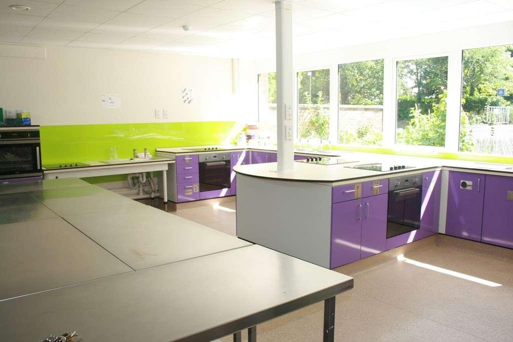 Corbets Tey School - school  | Photo 3 of 8 | Address: Harwood Hall Lane, Upminster, Essex RM14 2YQ, UK | Phone: 01708 225888