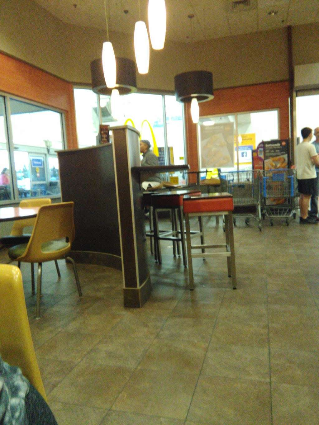 McDonalds - cafe  | Photo 4 of 10 | Address: 1800 Loucks Rd #100, York, PA 17408, USA | Phone: (717) 764-8923