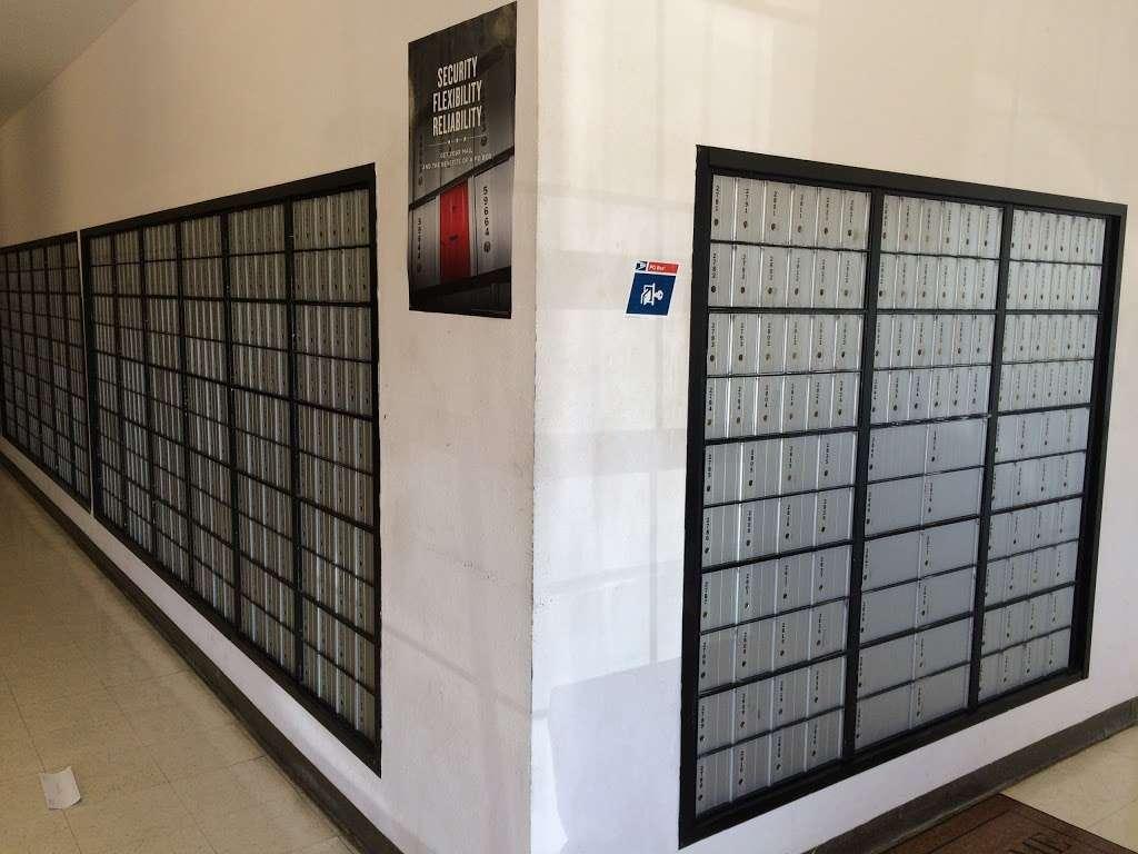 United States Postal Service - post office  | Photo 3 of 5 | Address: 21212 FM 1098 Loop, Prairie View, TX 77446, USA | Phone: (800) 275-8777