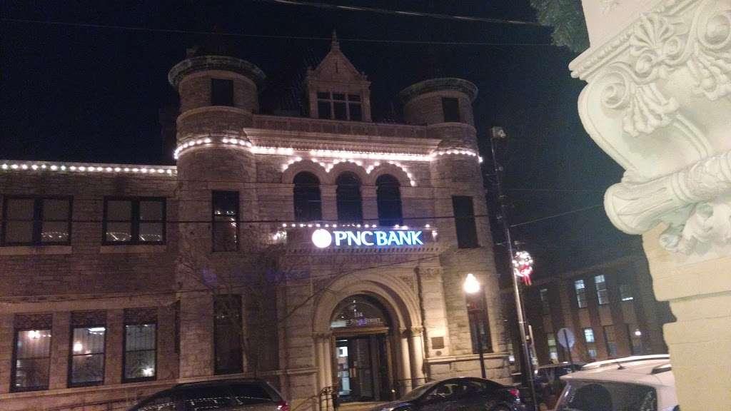 PNC Bank - bank    Photo 4 of 7   Address: 114 W State St, Media, PA 19063, USA   Phone: (610) 892-2650