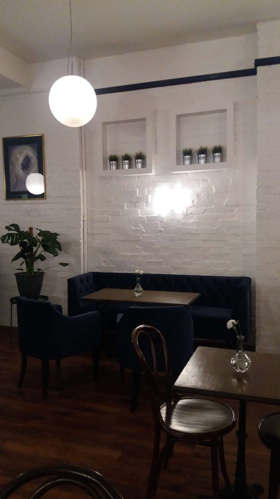 STELLAS ROOM - cafe  | Photo 4 of 10 | Address: 46 Fortis Green Rd, London N10 3HN, UK | Phone: 07789 250612