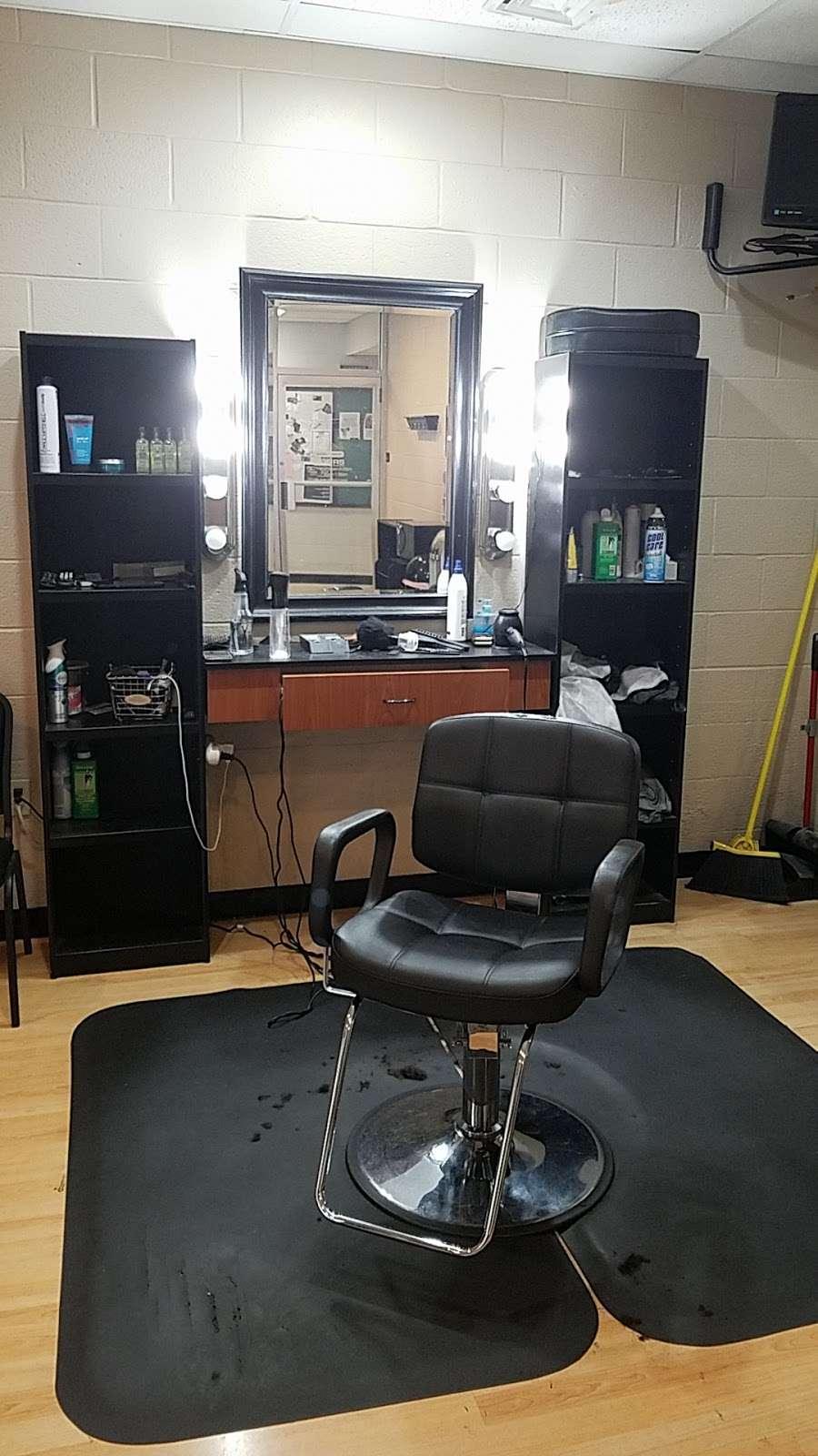 Emilios Barber Shop - hair care  | Photo 3 of 4 | Address: 2880 Carol Rd, East York, PA 17402, USA | Phone: (717) 968-8239