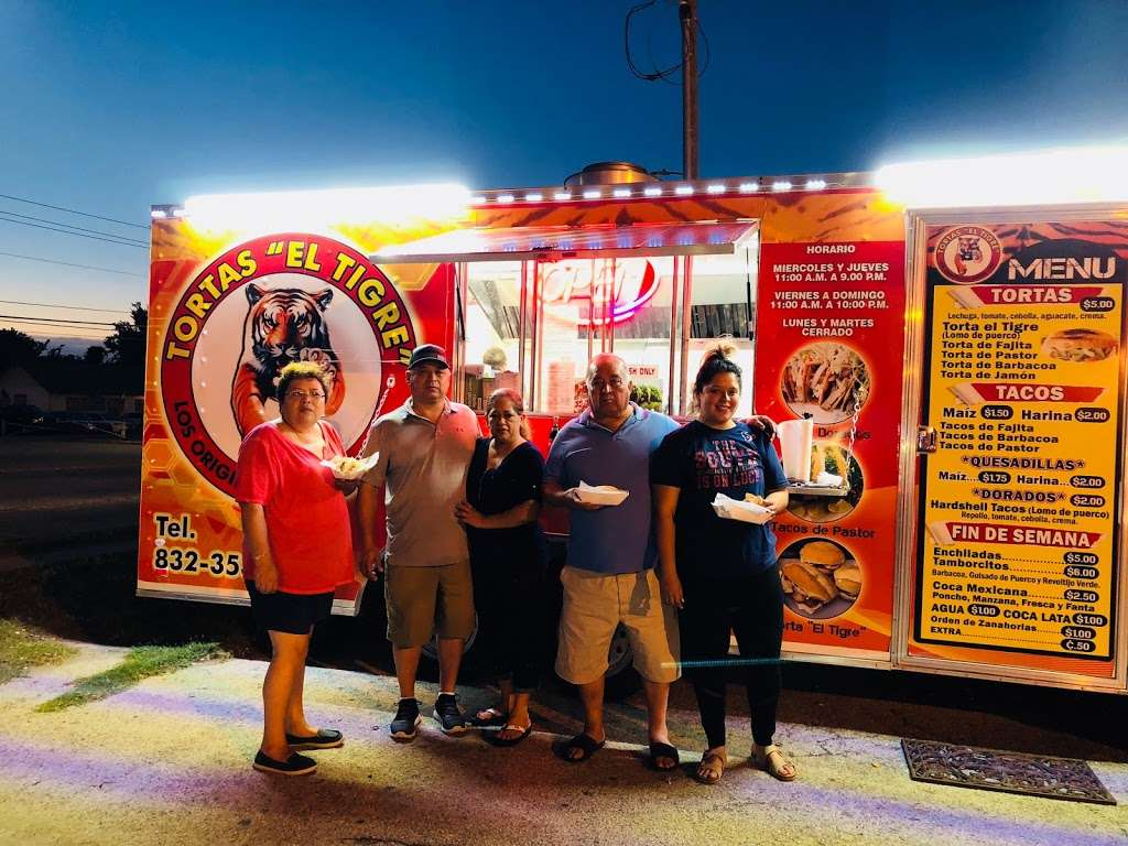 Tortas el TIGRE - restaurant    Photo 6 of 10   Address: 10501 Telephone Rd, Houston, TX 77075, USA   Phone: (832) 353-0594