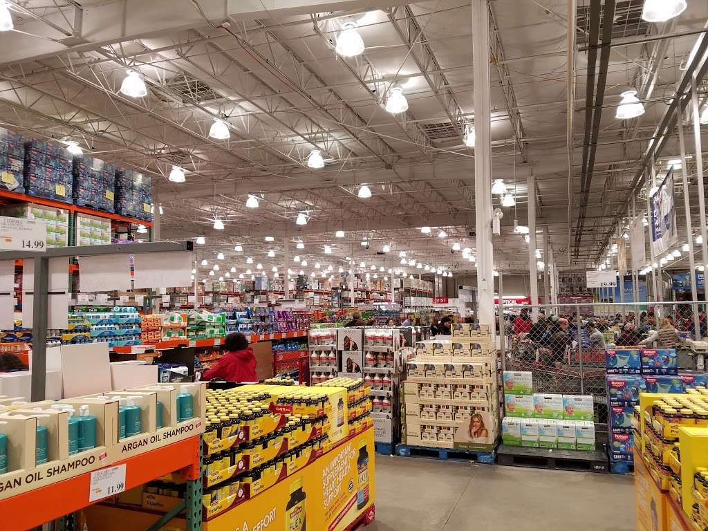 Costco Wholesale - department store  | Photo 1 of 10 | Address: 10 Garet Pl, Commack, NY 11725, USA | Phone: (631) 462-3900