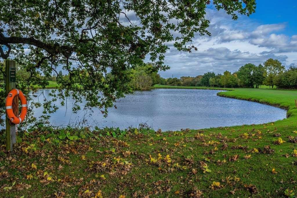 Stapleford Abbotts Golf Club - health    Photo 6 of 10   Address: Horsemanside, Tysea Hill, Romford RM4 1JU, UK   Phone: 01708 381108