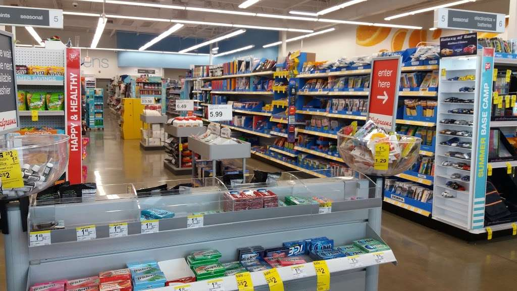 Walgreens Pharmacy - pharmacy  | Photo 3 of 10 | Address: 6001 W 95th St, Oak Lawn, IL 60453, USA | Phone: (708) 636-5615