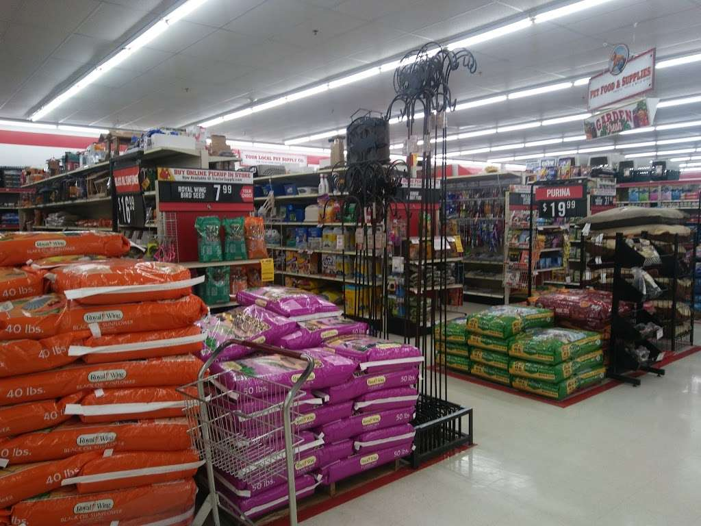 Tractor Supply Co. - hardware store  | Photo 4 of 10 | Address: 515 Daniel Webster Hwy Ste A, Merrimack, NH 03054, USA | Phone: (603) 424-3300