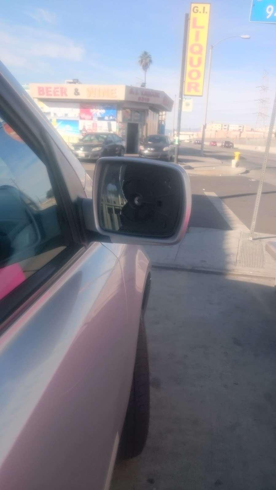 Michoacan Auto Glass - car repair  | Photo 8 of 9 | Address: 9405 Alameda St, Los Angeles, CA 90002, USA | Phone: (323) 567-1662