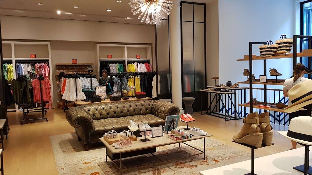 J.Crew - clothing store  | Photo 1 of 10 | Address: 91 5th Ave, New York, NY 10003, USA | Phone: (212) 255-4848