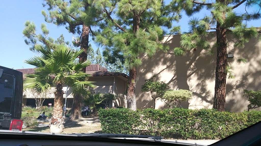 Robert Frost Middle School - school  | Photo 3 of 10 | Address: 12314 Bradford Pl, Granada Hills, CA 91344, USA | Phone: (818) 832-6900