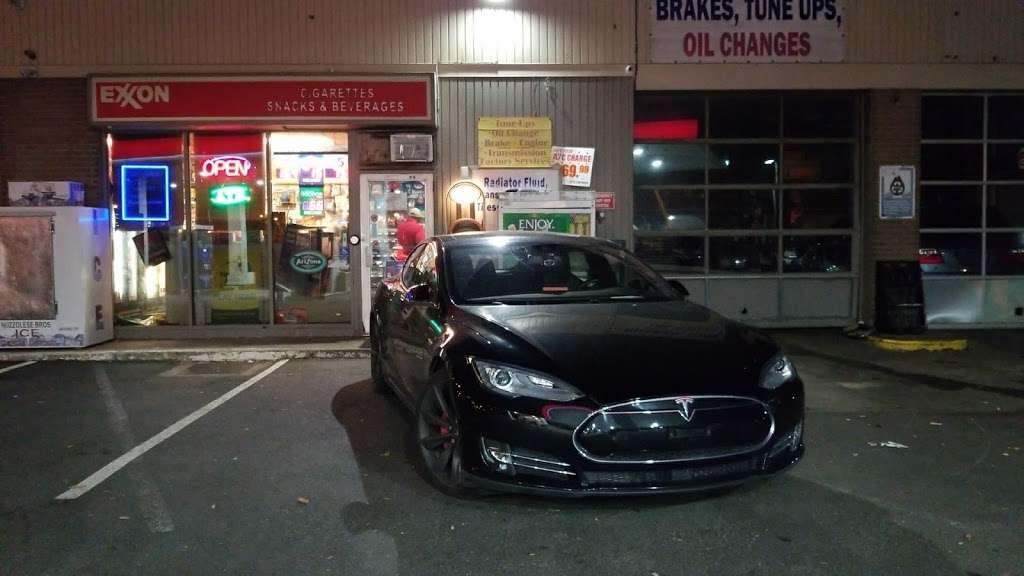 Exxon - gas station  | Photo 8 of 10 | Address: 1104 US-1, Linden, NJ 07036, USA | Phone: (908) 862-2330