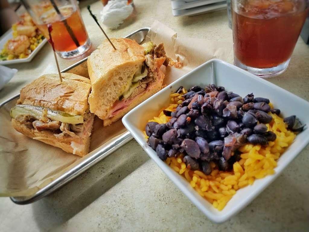 Tobias S Frogg - restaurant  | Photo 4 of 10 | Address: 1766 Columbia Ave, Lancaster, PA 17603, USA | Phone: (717) 394-8366
