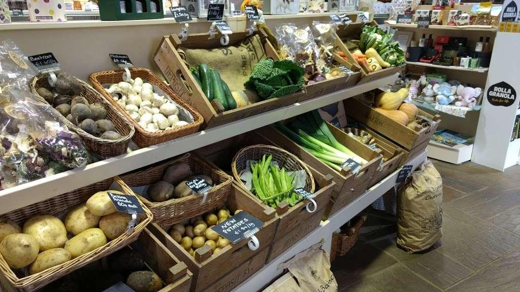 New House Farm Shop - cafe  | Photo 1 of 10 | Address: Old Crawley Rd, Faygate, Horsham RH12 4RU, UK | Phone: 01293 851890