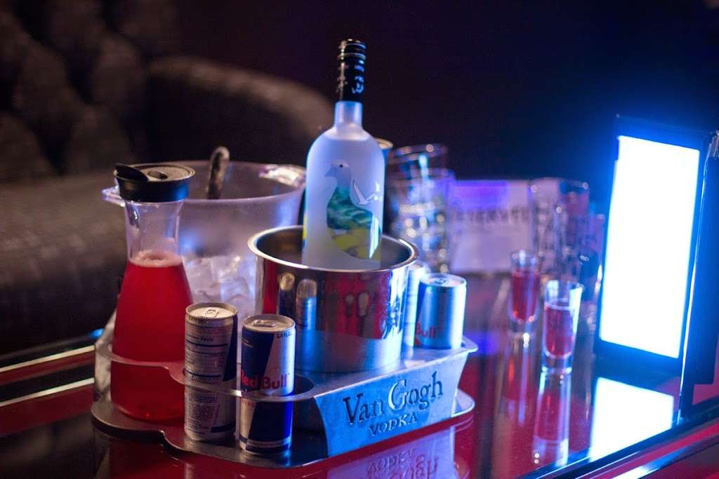 Fantasies Nightclub - night club  | Photo 8 of 10 | Address: 5520 Pennington Ave, Baltimore, MD 21226, USA | Phone: (410) 354-1217