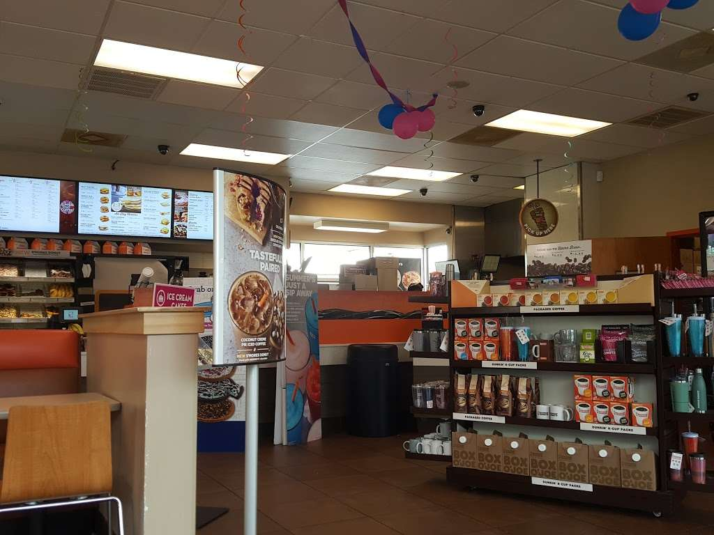 Dunkin Donuts - cafe    Photo 4 of 10   Address: 1427 Dual Hwy, Hagerstown, MD 21740, USA   Phone: (301) 393-3820