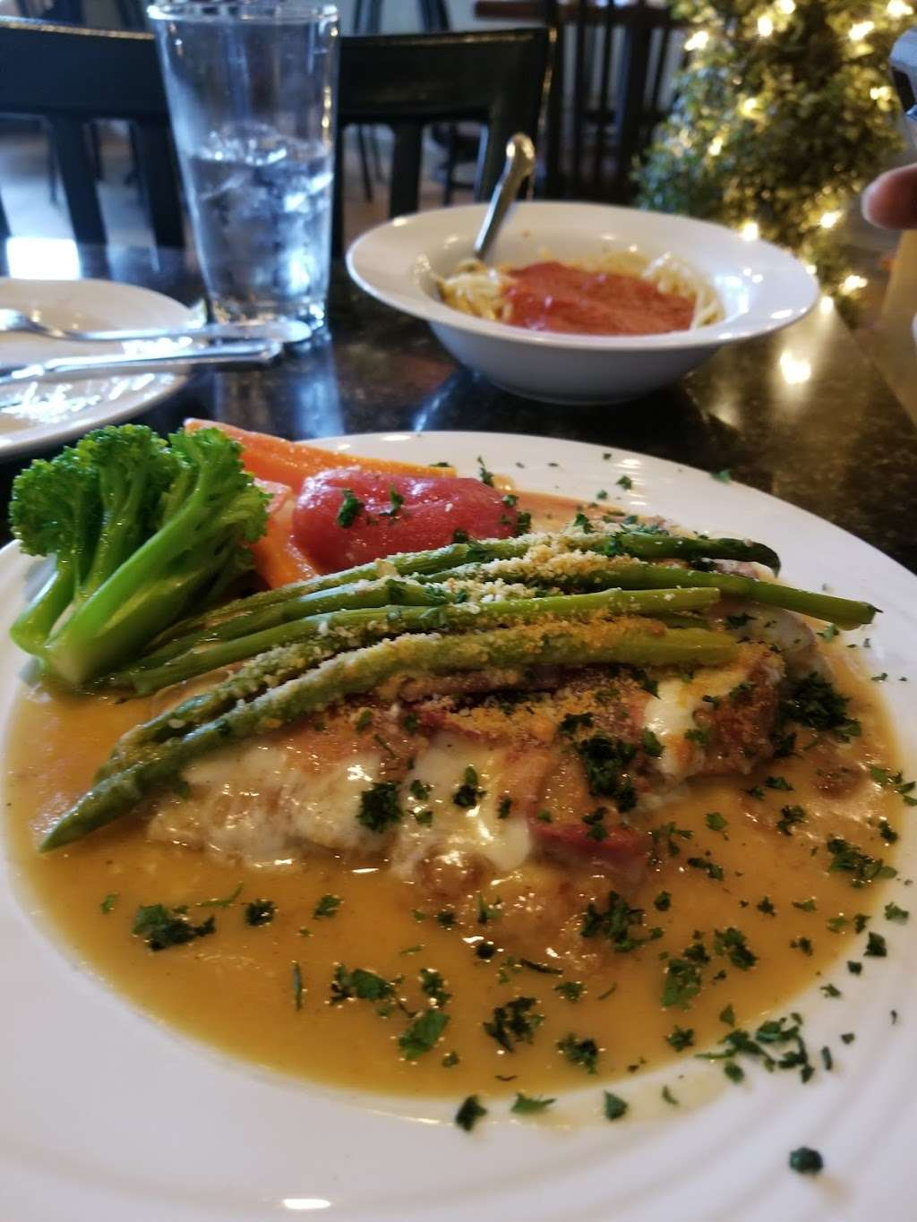 Luca Trattoria ~ Pizzeria - restaurant  | Photo 8 of 10 | Address: 20 W Oakland Ave, Oakland, NJ 07436, USA | Phone: (201) 337-3100