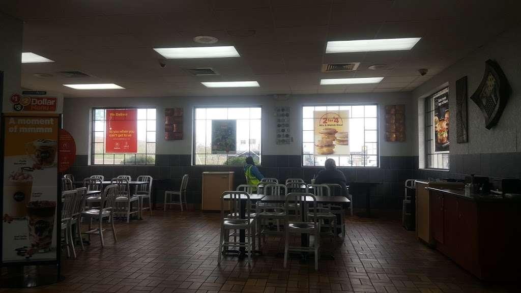 McDonalds - cafe  | Photo 10 of 10 | Address: 819 North Ave #835, Elizabeth, NJ 07201, USA | Phone: (908) 469-8684