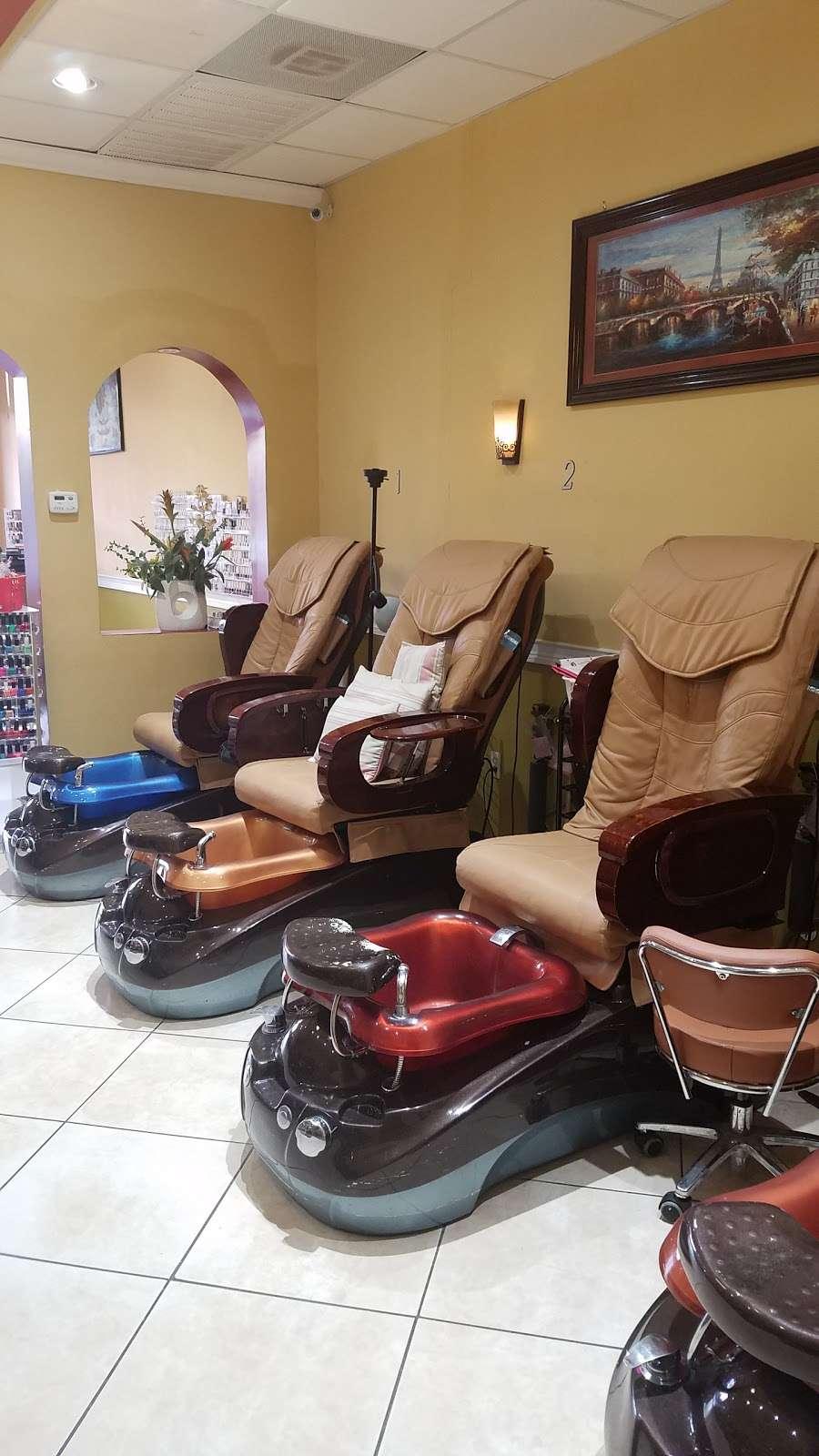 Golden Nails & Spa - spa  | Photo 3 of 10 | Address: 8245 Mills Rd, Houston, TX 77064, USA | Phone: (832) 688-5884