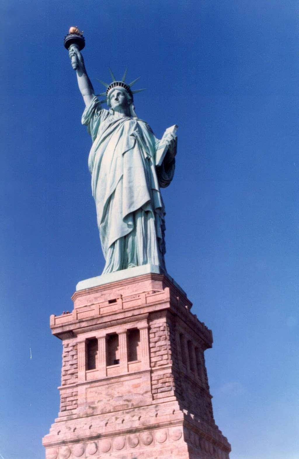 New York Estatua De La Llibertat Corona - museum  | Photo 2 of 10 | Address: Isla de la Libertad, New York, NY 10004, USA