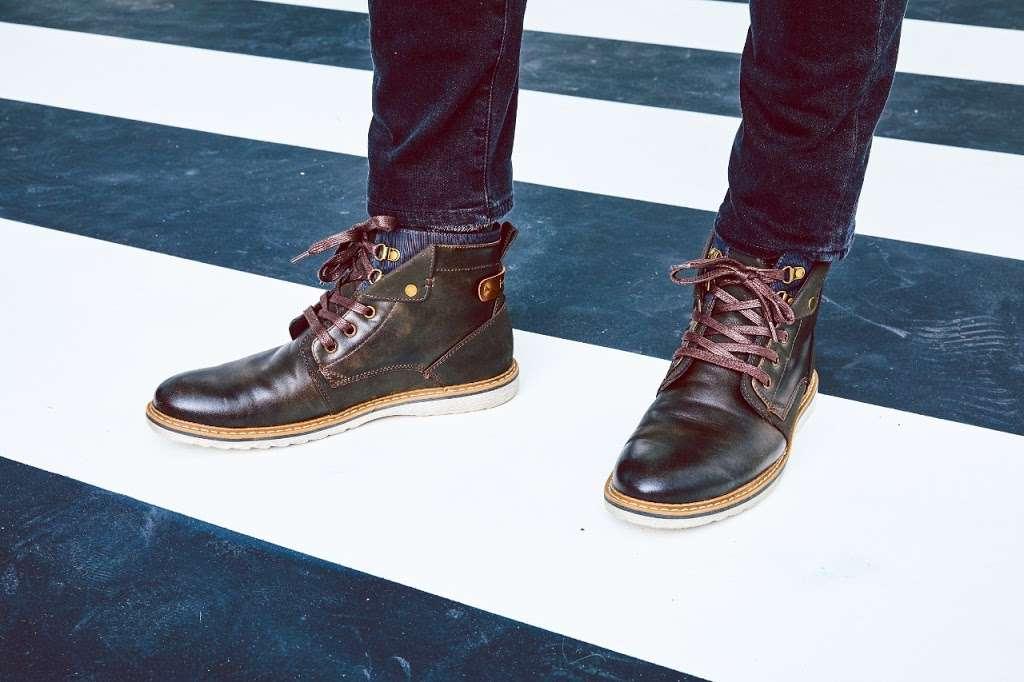 DSW Designer Shoe Warehouse - shoe store    Photo 6 of 10   Address: 225 Consumer Square, Mays Landing, NJ 08330, USA   Phone: (609) 272-8300