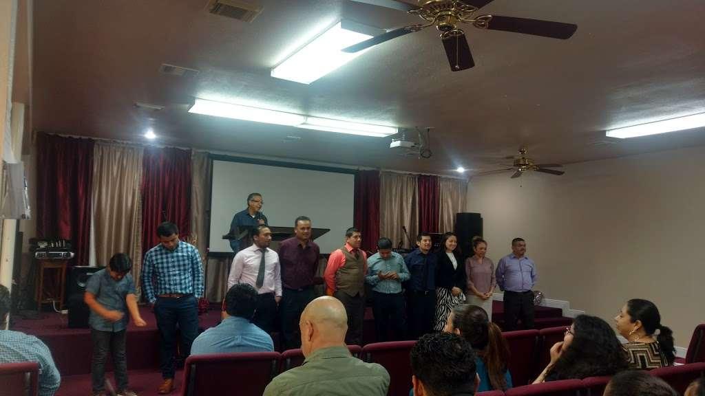 Iglesia De Dios Pentecostal - church  | Photo 1 of 3 | Address: 4922 Mangum Rd, Houston, TX 77092, USA | Phone: (713) 263-1954