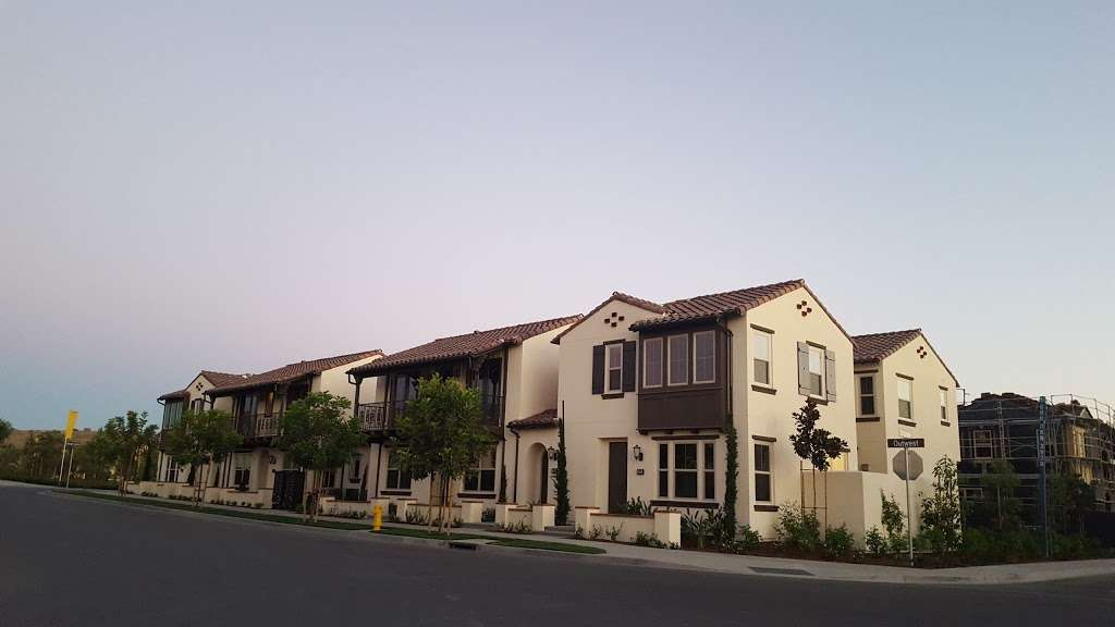 Village Square Park - park  | Photo 6 of 10 | Address: 130 Outwest, Irvine, CA 92618, USA