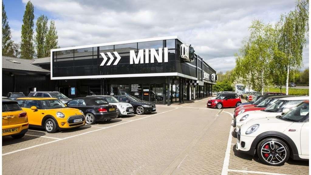 Cooper Tonbridge MINI - car repair  | Photo 2 of 10 | Address: Brook Farm, Five Oak Green Rd, Tonbridge TN11 0QN, UK | Phone: 01732 622059