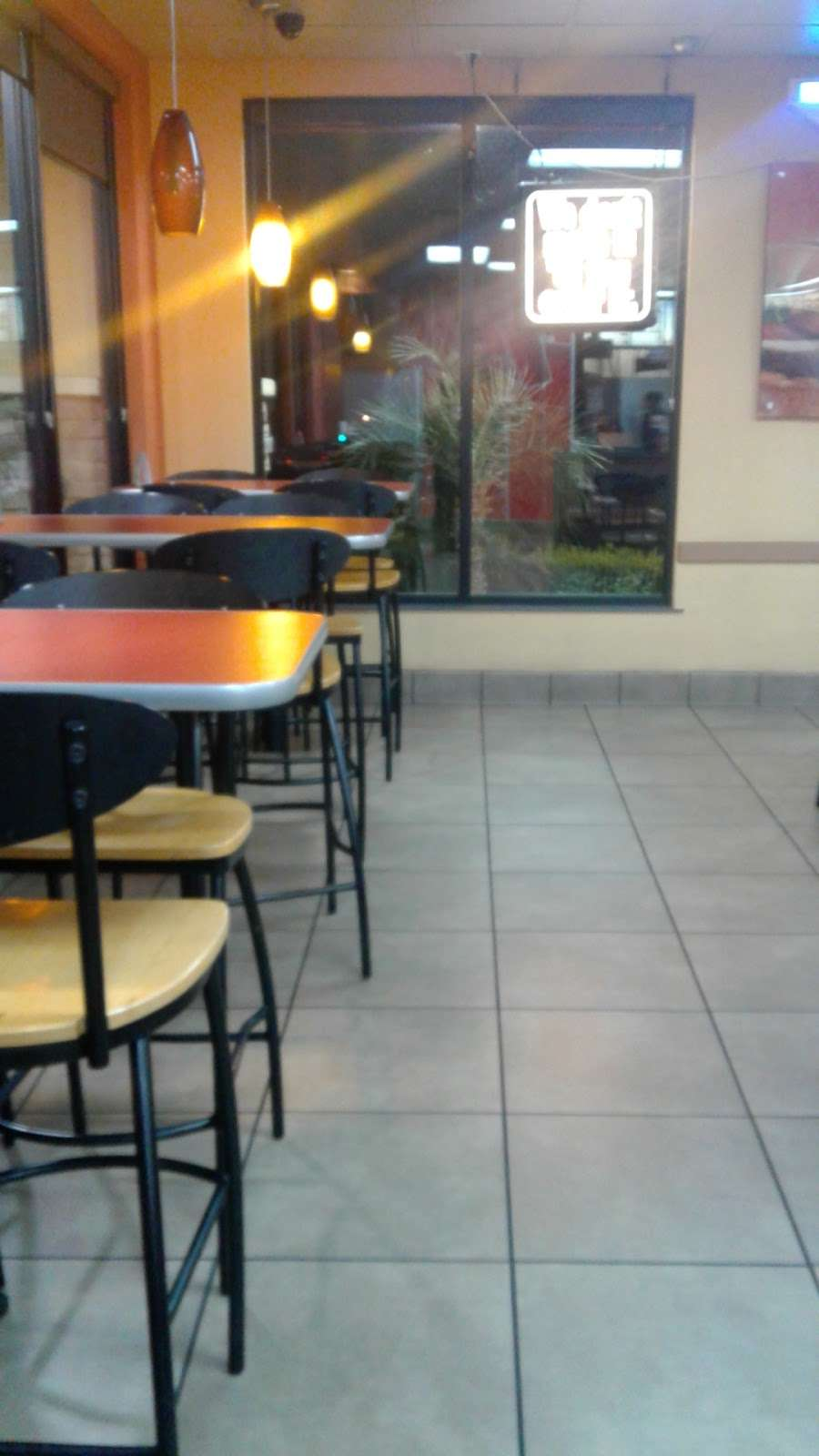 Jack in the Box - restaurant    Photo 9 of 10   Address: 29993 Canyon Hills Rd, Lake Elsinore, CA 92532, USA   Phone: (951) 244-2649