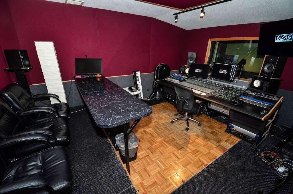 Studio City Sound - electronics store  | Photo 10 of 10 | Address: 4412 Whitsett Ave, Studio City, CA 91604, USA | Phone: (818) 505-9368
