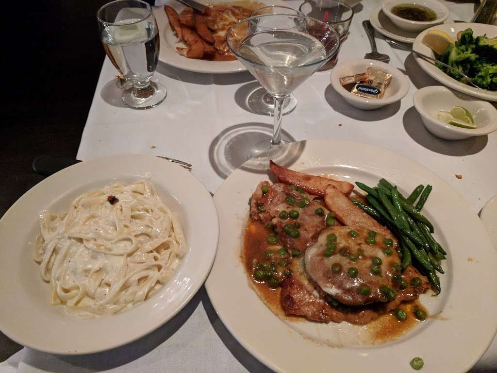 Goodfellas Ristorante - restaurant    Photo 9 of 10   Address: 661 Midland Ave, Garfield, NJ 07026, USA   Phone: (973) 478-4000