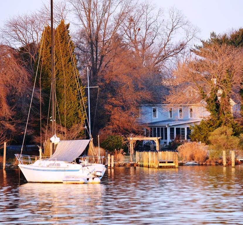 Back Creek Inn - lodging  | Photo 5 of 10 | Address: 210 Alexander St, Solomons, MD 20688, USA | Phone: (410) 326-2022