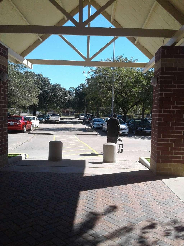 Harris County Hospital Settegast - doctor    Photo 10 of 10   Address: 9105 N Wayside Dr, Houston, TX 77028, USA   Phone: (713) 633-2020
