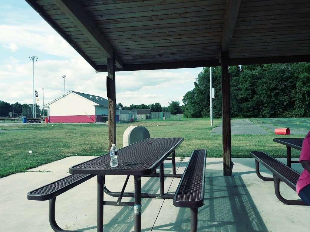 Carneys Point Recreational Park - park  | Photo 10 of 10 | Address: 229 Penns Grove Auburn Rd, Pedricktown, NJ 08067, USA | Phone: (609) 254-0000