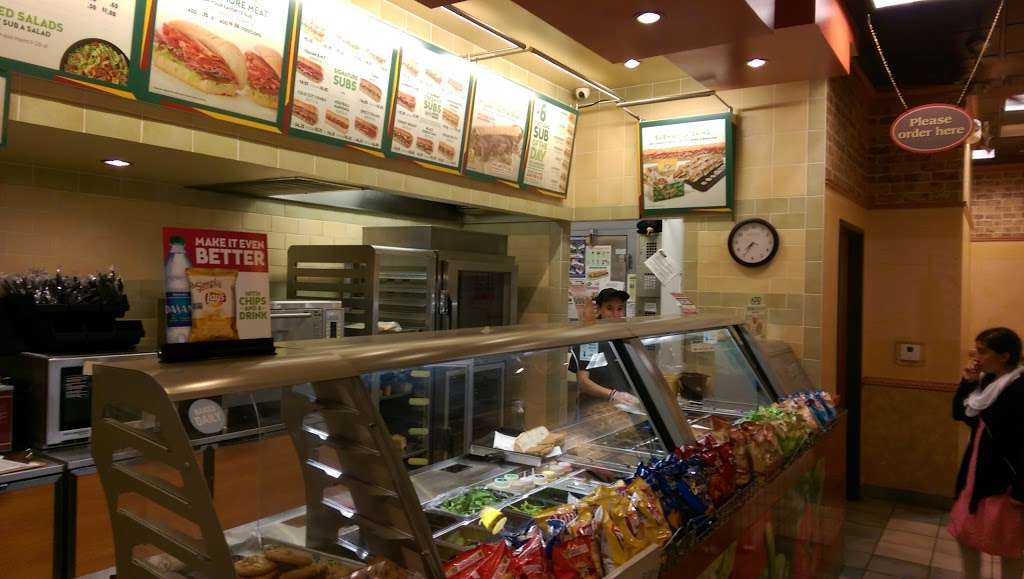Subway - restaurant  | Photo 3 of 6 | Address: 563-C Rohnert Park Expy, Rohnert Park, CA 94928, USA | Phone: (707) 588-8605