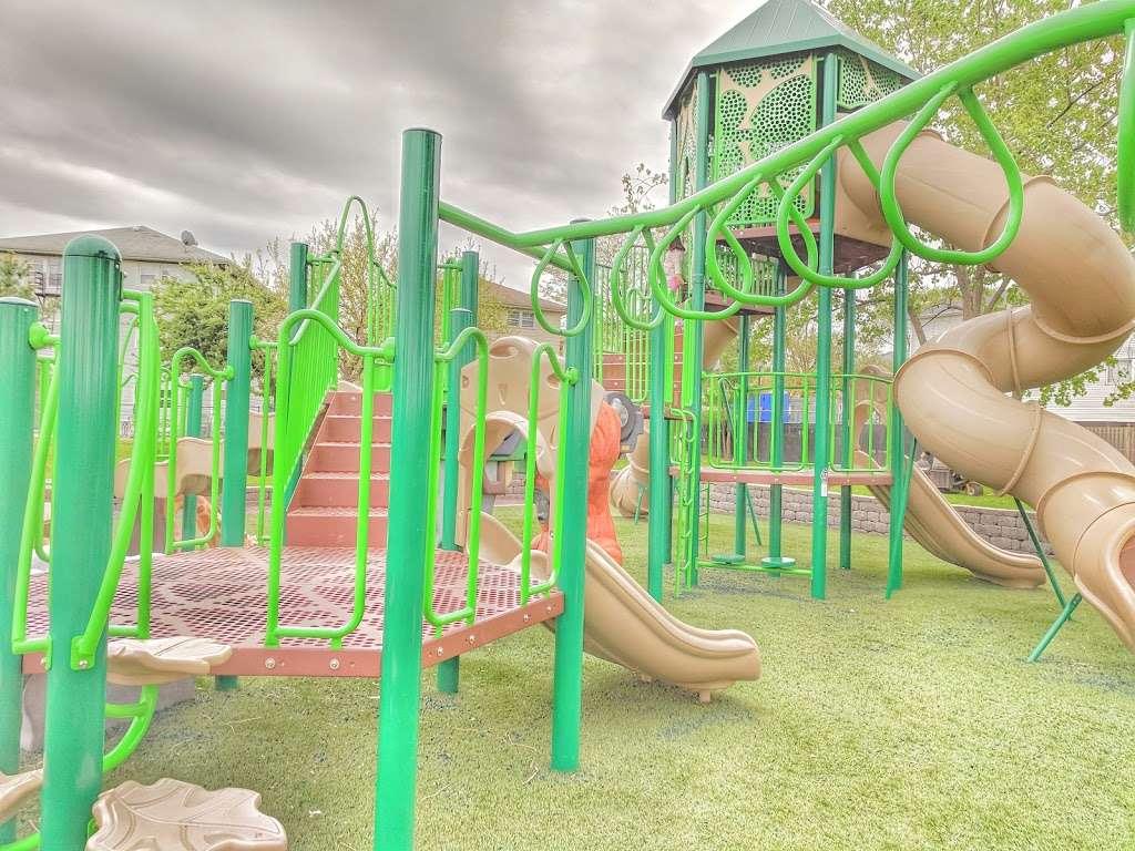 Acorn Park - park  | Photo 2 of 9 | Address: 1199 Farm Rd, Secaucus, NJ 07094, USA