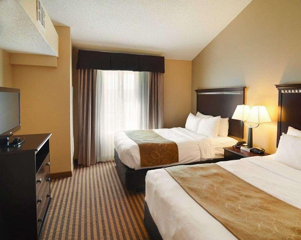 Comfort Suites Dfw Airport - lodging  | Photo 5 of 9 | Address: 4700 W John Carpenter Fwy, Irving, TX 75063, USA | Phone: (469) 713-3666