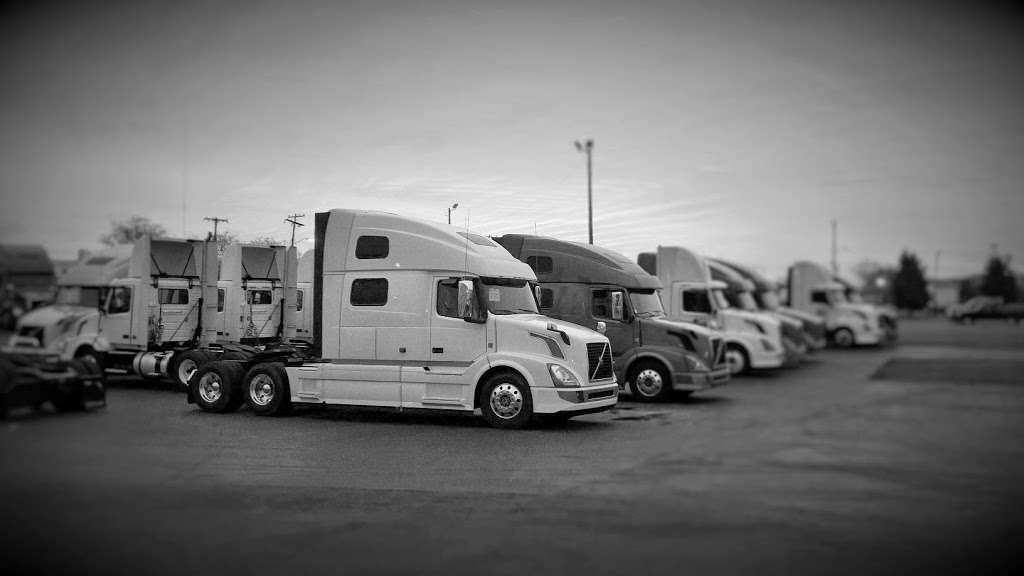 Advantage Truck Parts - car repair    Photo 6 of 8   Address: 3880 Jeff Adams Dr, Charlotte, NC 28206, USA   Phone: (704) 597-4248
