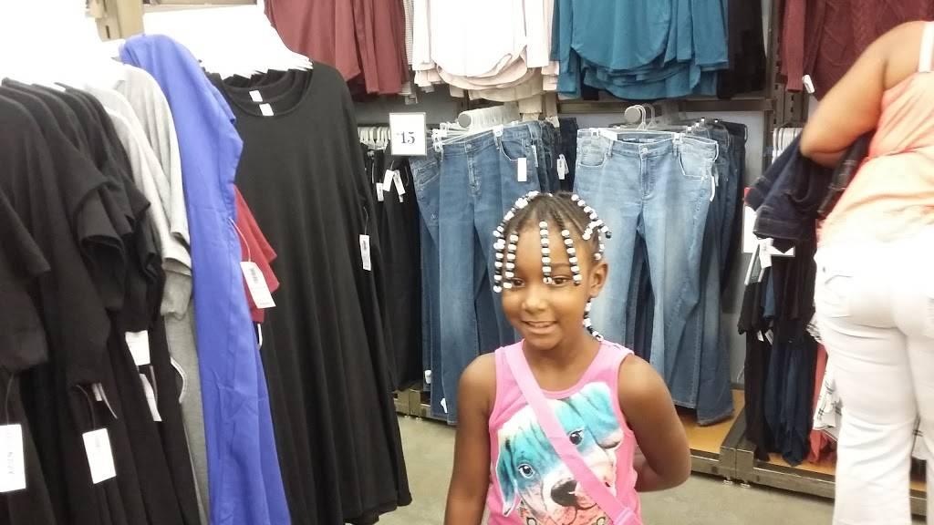 Old Navy - clothing store  | Photo 5 of 8 | Address: 3687 Stone Creek Blvd, Cincinnati, OH 45251, USA | Phone: (513) 245-0286